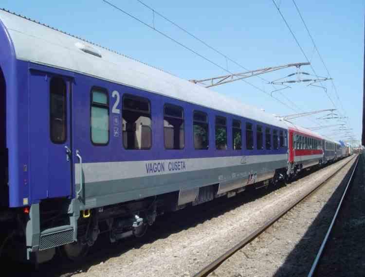Vagoane de dormit și cușetă la trenuri de lungă distanță care circulă ziua, la CFR Călători