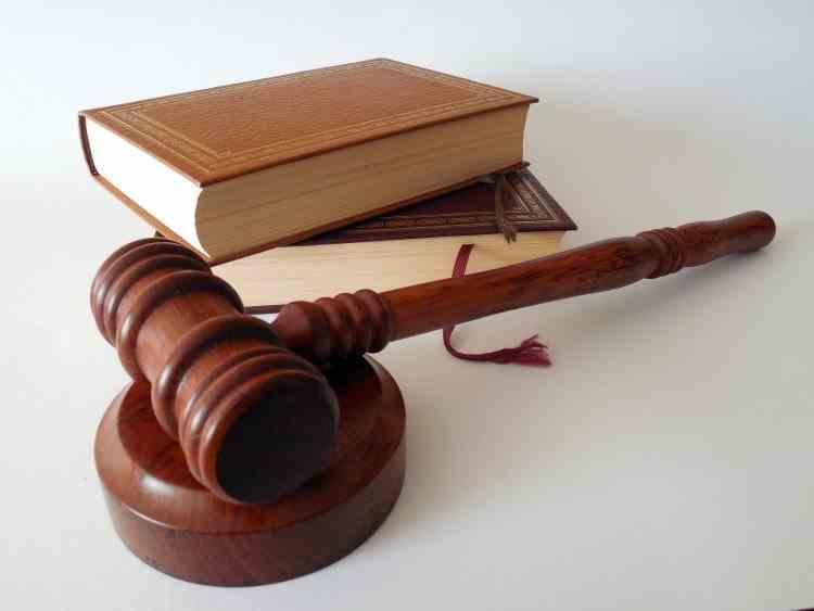 Ministrul Justiției: Taxa de timbru ar putea fi mărită pentru a descuraja procesomanii care blochează activitatea Instanțelor de Judecată