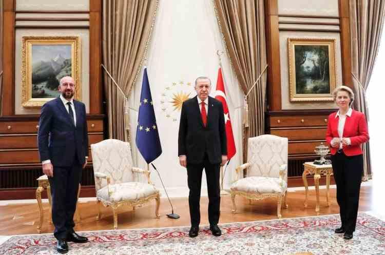 Ursula von der Leyen a fost lăsată fără scaun la întâlnirea cu Erdogan de la Ankara