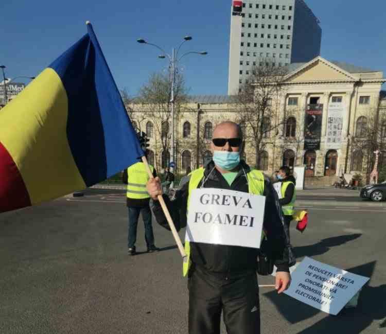 Minerii de la CE Oltenia, intrați în greva foamei, protestează luni dimineață, în fața Guvernului