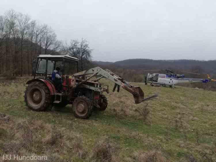 Jandarmii au descoperit din elicopter o operațiune de tăiere ilegală de lemne