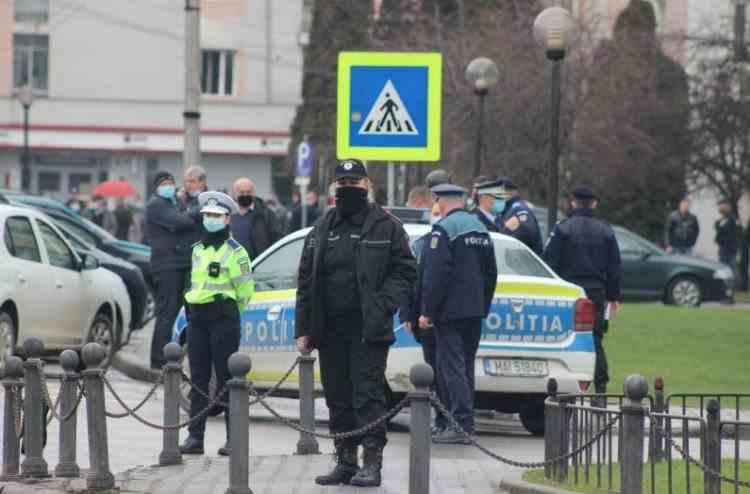 Patru clădiri din București au fost evacuate din cauza unei alarme cu bombă