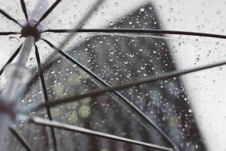 Avertizare ANM de ploi - Cât mai durează vremea rece