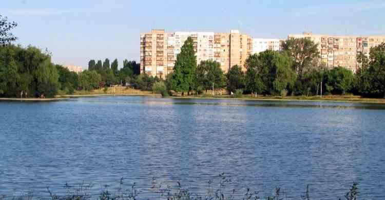 Cadavrul unui bărbat a fost găsit în lacul IOR