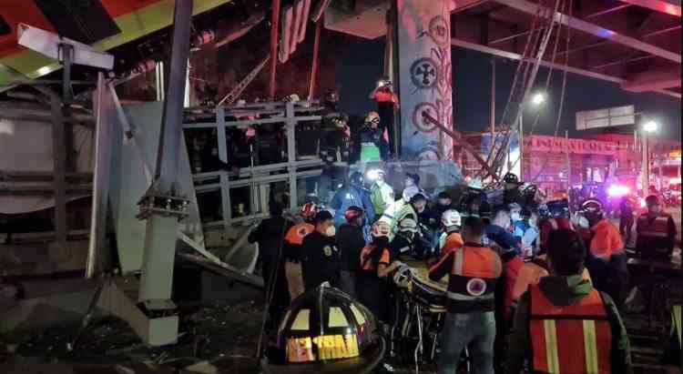 Cel puțin 13 morți și 70 de răniți după ce o linie suspendată a metroului din Ciudad de Mexico s-a prăbușit