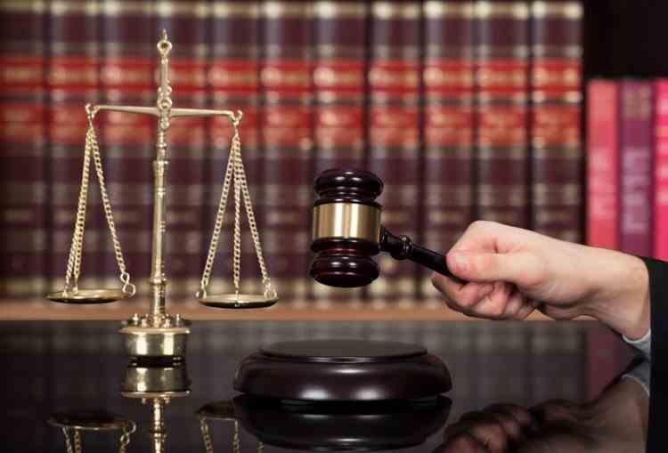 Instanțele de judecată trebuie să pronunțe sentința în procesele penale odată cu motivarea, în termen de maximum 120 de zile - Noua lege a fost promulgată de președintele Iohannis