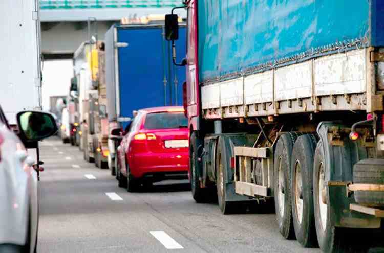 Ministrul Transporturilor: Taxa de drum va fi plătită în funcție de distanța parcursă, nu pentru perioadă