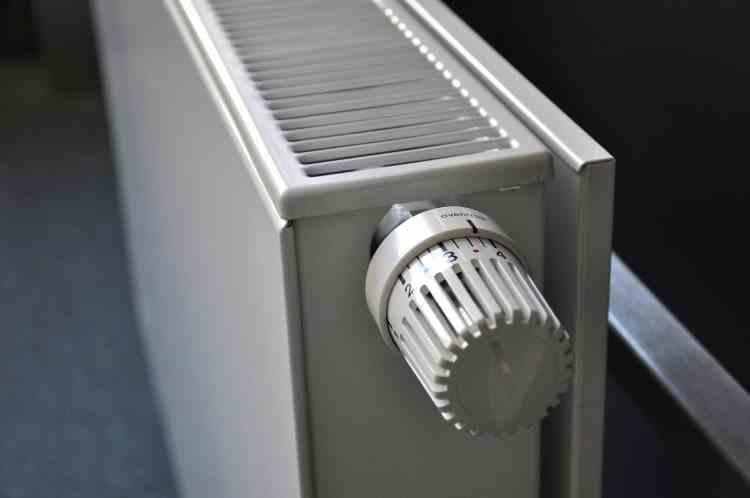 Proiect al Comisiei Europene: Se propune descurajarea și chiar înterzicerea încălzirii pe gaze pentru termoficare și pentru centralele de apartament