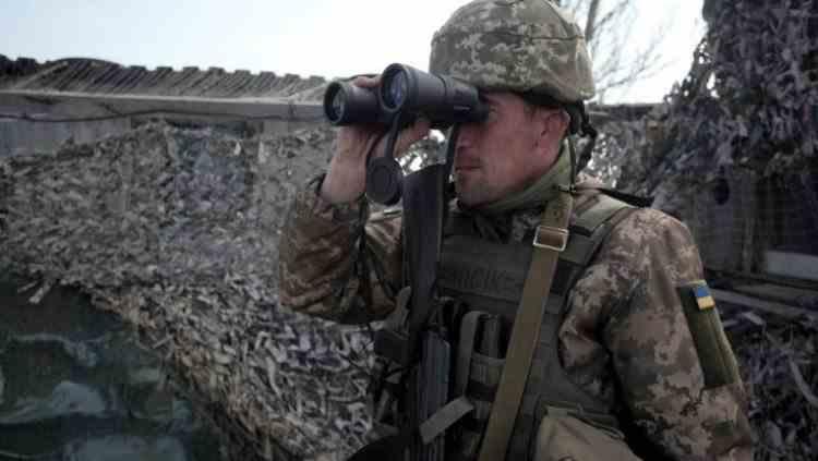 Un militar ucrainian a fost împușcat mortal de separatiștii proruși pe linia frontului, în Donbas