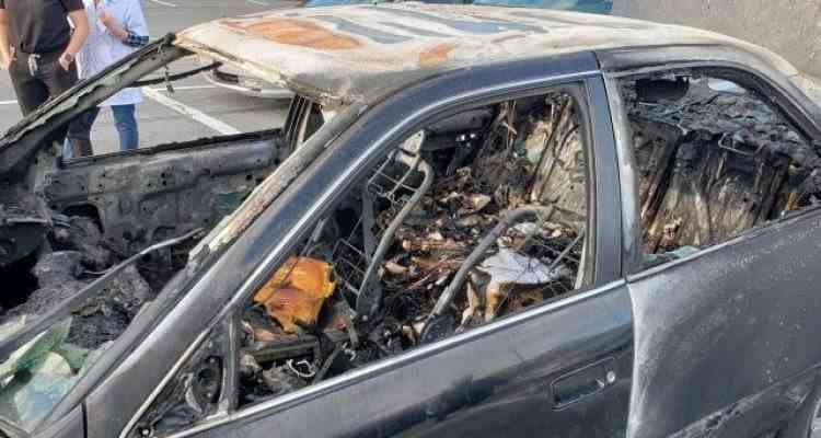 Un șofer și-a incendiat mașina pentru că și-a aprins o țigară după ce a folosit dezinfectantul de mâini