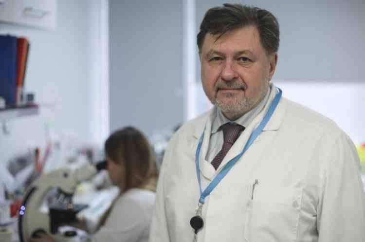 Alexandru Rafila: Dacă toată lumea se testează şi nimeni nu se vaccinează o să ne reîntoarcem la restricţii