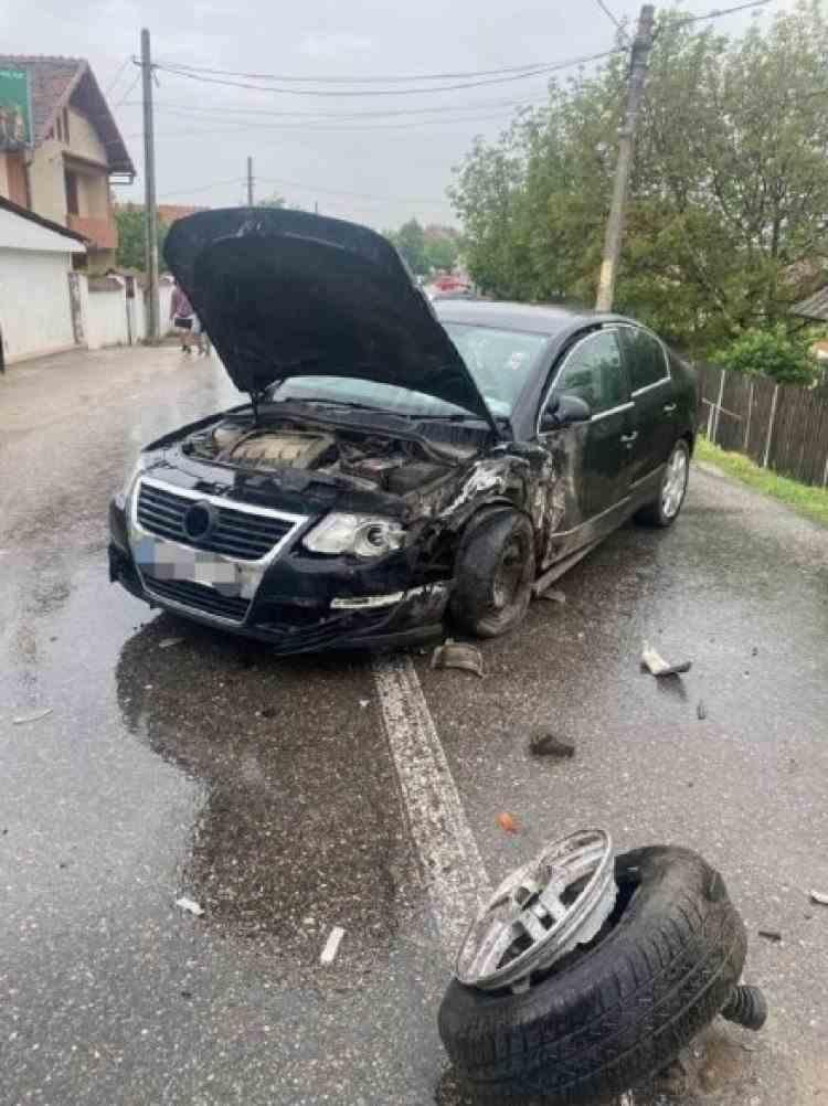 Accident cu șase victime în Argeș - Printre răniți se află și doi copii