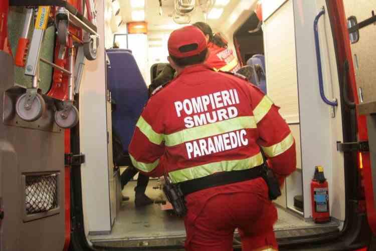 Un elev a fost rănit după ce un dulap a căzut peste el, într-o școală din București