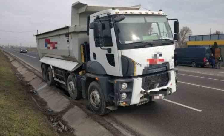 Un șofer român de TIR a fost amendat cu 1,7 milioane de euro în Franța