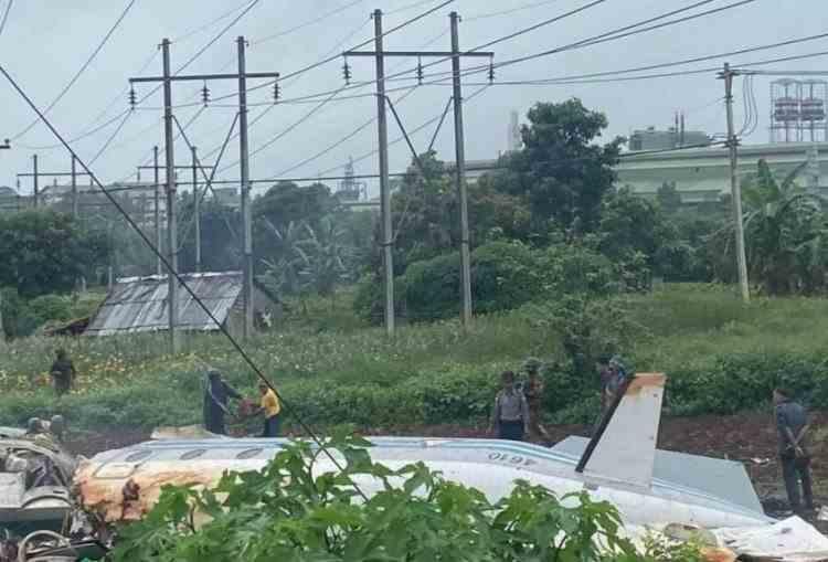 Cel puțin 12 persoane au murit după prăbușirea unui avion militar în Myanmar