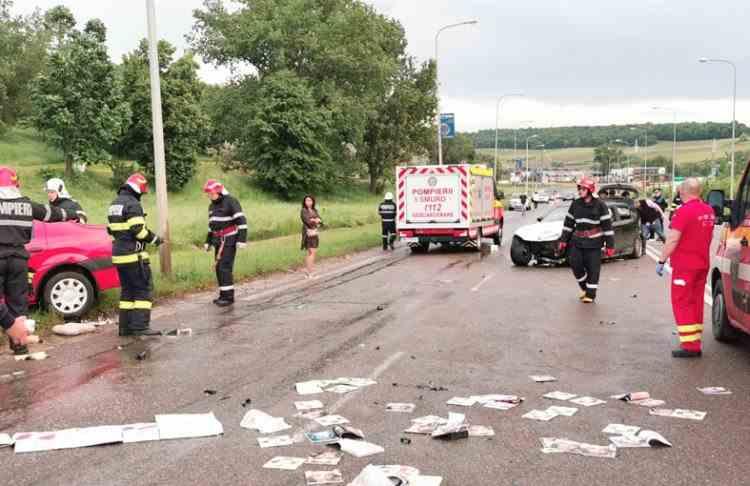 Sapte persoane au fost rănite într-un accident rutier în care au fost implicate cinci mașini, la ieșirea din Botoșani