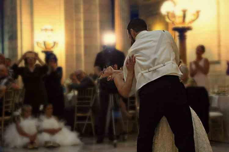 Măsuri de relaxare noi intră în vigoare începând de astăzi -  Noi reguli și în privința nunților și botezurilor
