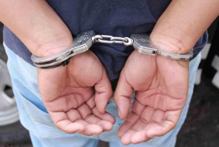 Un bărbat a fost reținut după ce a furat bunuri în valoare de 7000 de lei dintr-o biserică din Sinaia