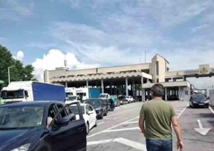 Recomandările MAE pentru românii care pleacă în vacanță în Grecia - Scurtarea timpilor suplimentari de aşteptare la frontieră