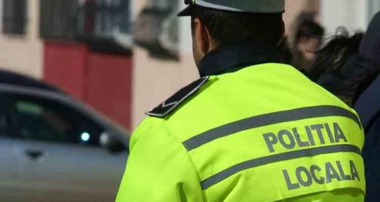Polițiștii au reținut un polițist local care alerga complet dezbrăcat pe un bulevard din București