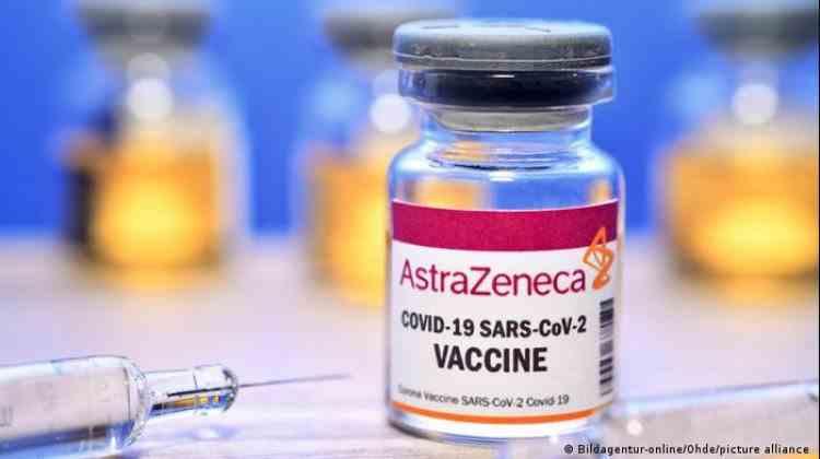 Un oficial al Agenției Europene pentru Medicamente susține renunțarea la vaccinul AstraZeneca