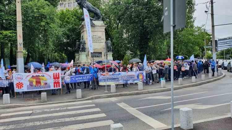 Polițiștii acuză Guvernul pentru prelungirea nefondată a stării de alertă: Le este frică de proteste masive și știu că ar ieși mulți oameni în stradă