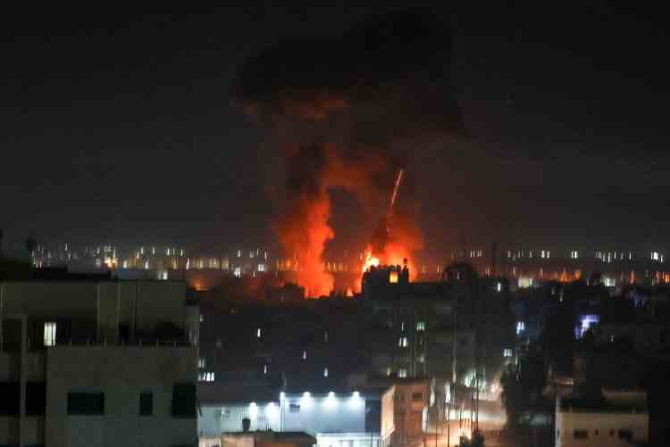 Israelul a lansat noi atacuri aeriene în Gaza, după ce militanții palestinieni au trimis baloane incendiare