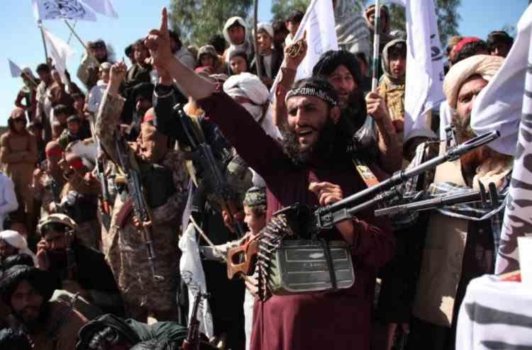 Talibanii se pregătesc să preia controlul în Afganistan, după retragerea trupelor NATO