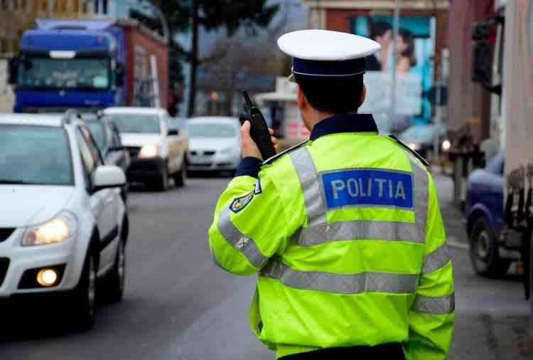 Polițiștii, sacrificați pentru privilegiații de la vârf