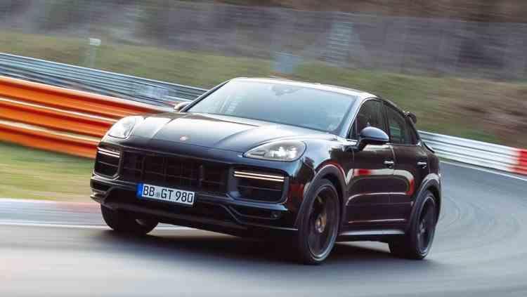 Noul Porsche Cayenne Turbo Coupe bate recordul turului SUV Nurburgring înainte de lansare