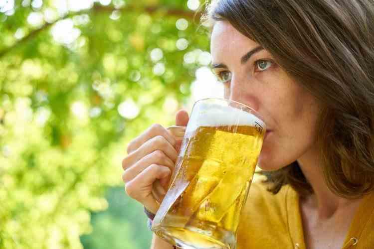 Organizația Mondială a Sănătății cere femeilor între 18 și 50 de ani să renunțe la consumul de alcool