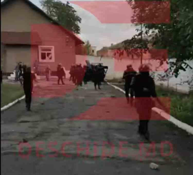 VIDEO: Revoltă într-un penitenciar din Republica Moldova - Intervenția mascaților