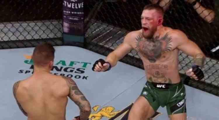 VIDEO: Conor McGregor a fost scos din arenă pe targă la meciul cu Dustin Poirier de la UFC 264