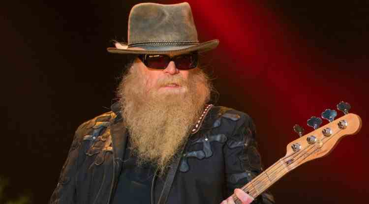 A murit Dusty Hill, basistul trupei ZZ Top