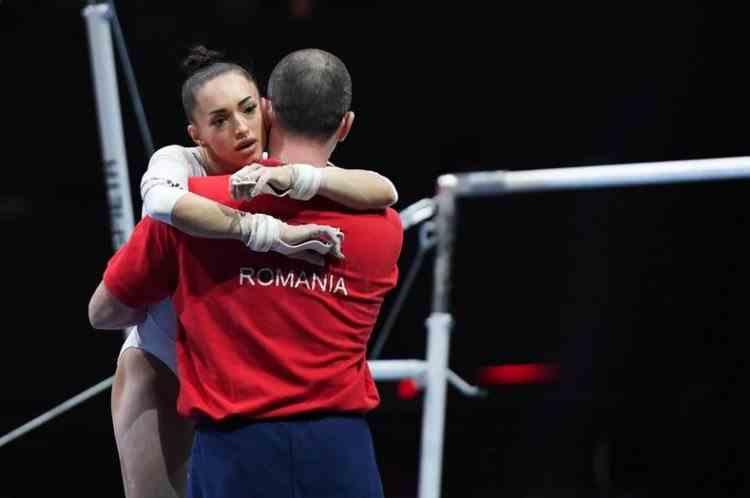 Larisa Iordache nu mai poate concura în finala olimpică la bârnă