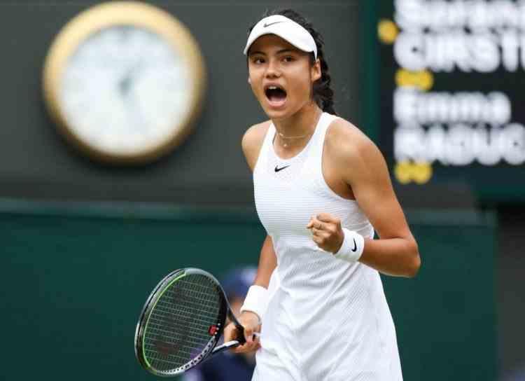 La doar 18 ani, Emma Răducanu s-a calificat în finala de la US Open