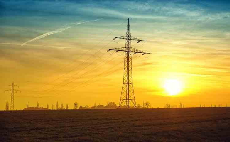Italia vrea să revizuiască formula de calcul a facturilor la energie electrică, în încercarea de a controla prețurile