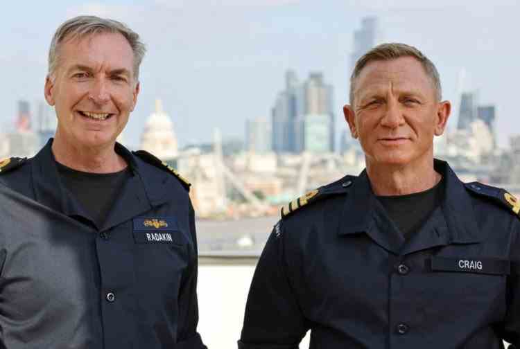 Daniel Craig a fost numit comandant onorific al Marinei Regale Britanice, la fel ca personajul său, James Bond