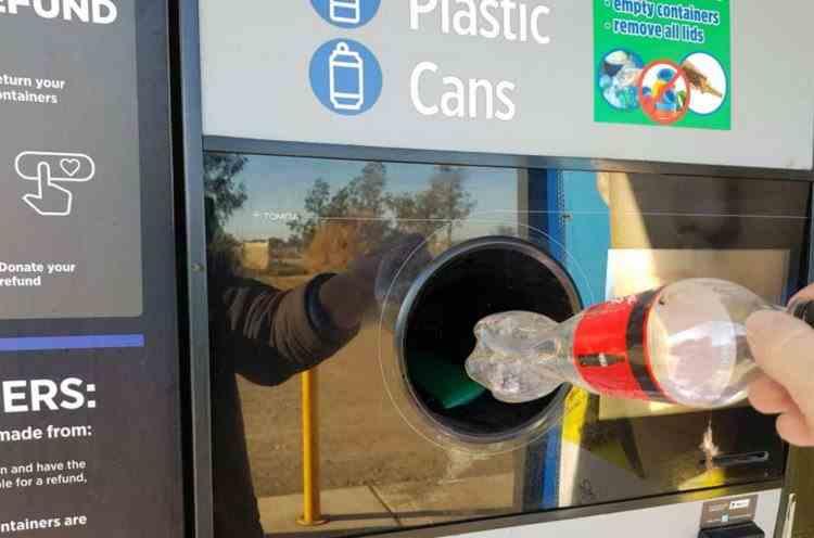 Obligațiile pe care le vor avea magazinele în reciclarea sticlelor goale, a PET-urilor și dozelor de bere - Cum poți primi 50 de bani pentru fiecare ambalaj de băutură returnat