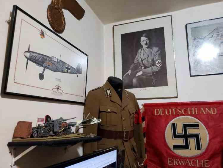 O colecţie impresionantă de arme şi obiecte din Germania nazistă, a fost descoperită de polițiști în casa unui pedofil din Brazilia