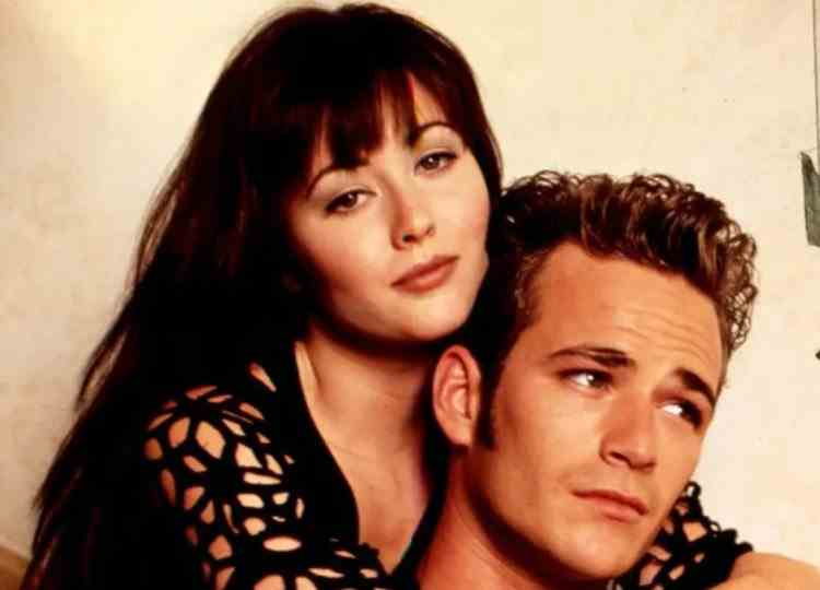 """FOTO - Actrița Shannen Doherty, faimoasă pentru personajul Brenda Walsh din serialul Beverly Hills 90210, de nerecunoscut: """"Să devenim toți mai familiarizați cu felul în care arată cancerul"""""""