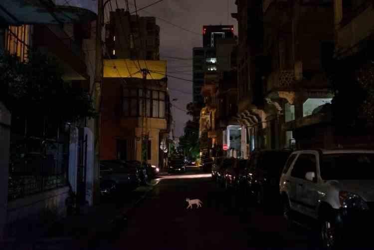 Pană uriaşă de curent în Liban - Rețeaua electrică națională s-a oprit din cauza lipsei de combustibil
