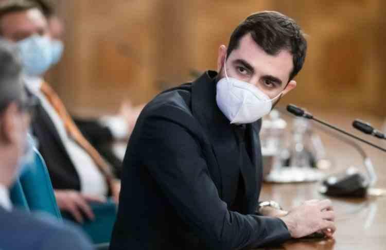 Fostul ministru al Economiei: Plafonarea contribuțiilor la sănătate este o abordare greșită, românii nu sunt săraci, sunt sărăciți