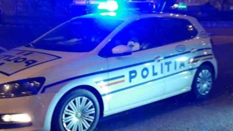 Tânără sechestrată de fostul iubit într-un apartament, salvată de polițiștii din Prahova